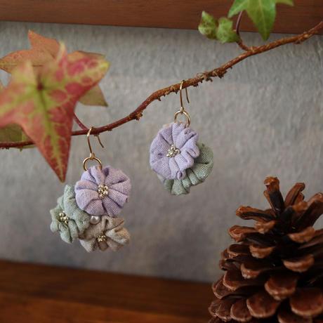 spring花集まりピアス