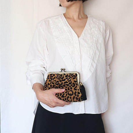 シェニール織レオパード柄のがま口お財布バッグ