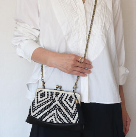 フォークロア フランス生地のがま口お財布バッグ BLACK&BLACK