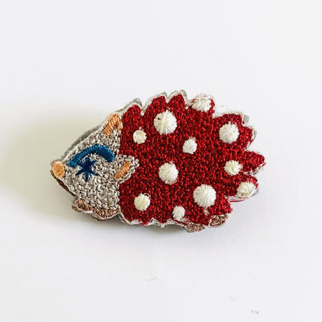 """Hedgehogs brooch""  <red>"