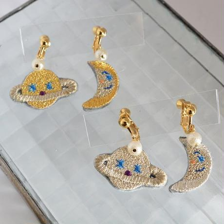 """moon and saturn nonhole earring set""<SILVER>"