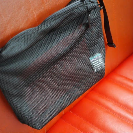 O-, 3D MESH BAG S TRIANGLE