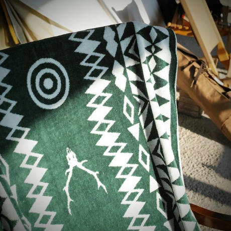 South2 West8, Bath Towel - Cotton Jacquard / Target & Skull