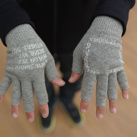 O-, FINGERLESS GLOVE