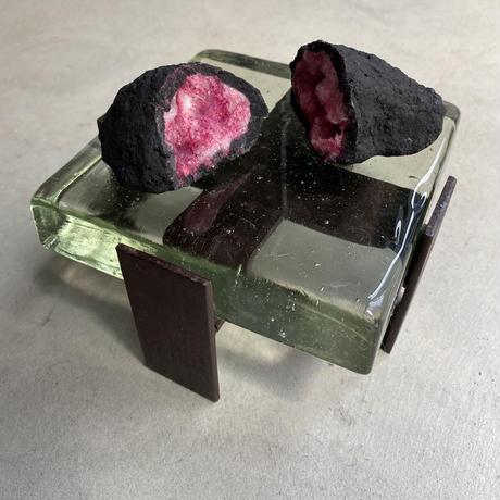 Art Glass Tray(分厚いガラスのディスプレー台)