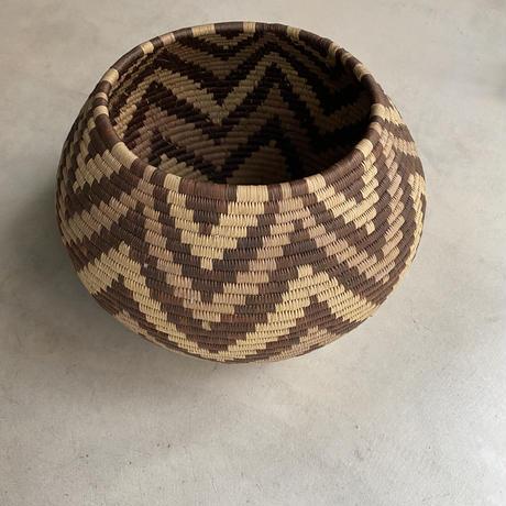 Wicker Basket(ギザギザ模様のカゴ)