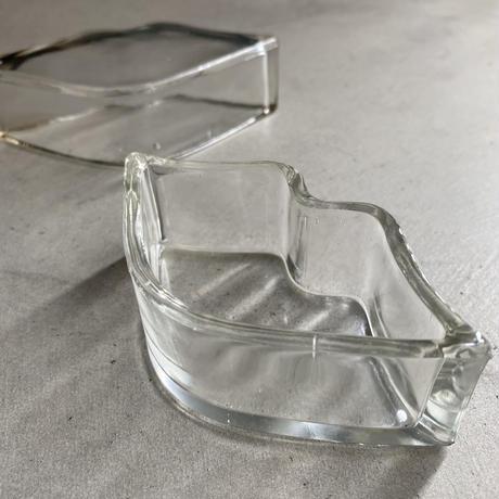 Glass Lips Trinket Box(唇の形をしたガラスの小物入れ)