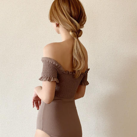 off shoulder shirring op swim wear[brown]
