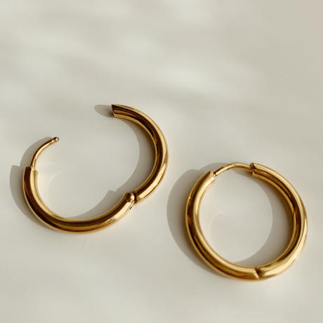 simple hoop pierce