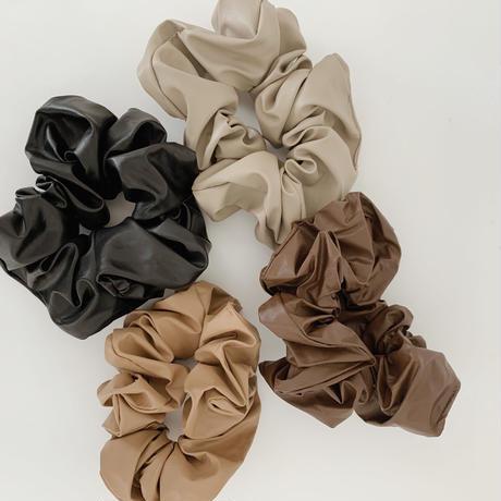 leather chouchou