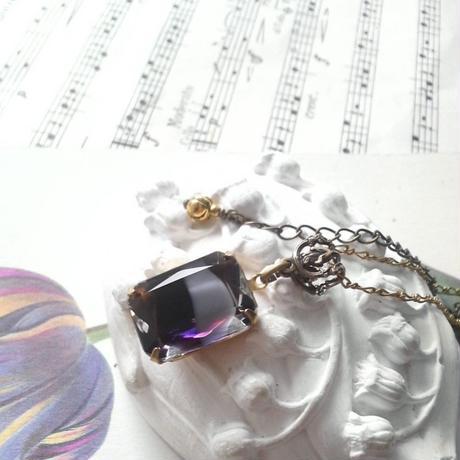 ヴィンテージ Grape/Grey オクタゴナル(アンティークゴールド)ネックレス