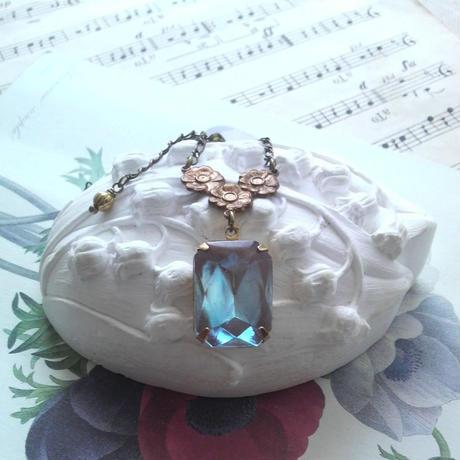 サフィレット 大粒BlueOctagon Flowerネックレス