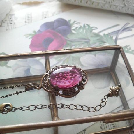 ヴィンテージ すずらん(Raspberry)インタリオ ネックレス