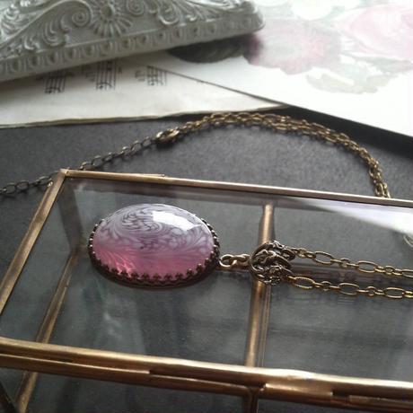 ヴィンテージ ピンク クSwirl-Marble ロングネックレス
