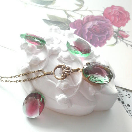 ヴィンテージ Ruby in Emerald クラシカルネックレス
