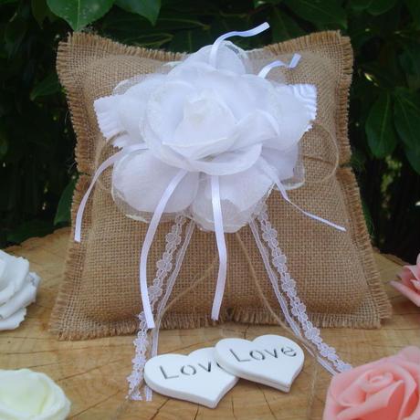 結婚式、枕ブライダルリング、この枕は手作りです工業製品ではない、これは製品です Made  in Italy