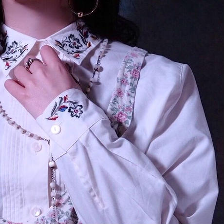 Botanical  Embroidery Blouse