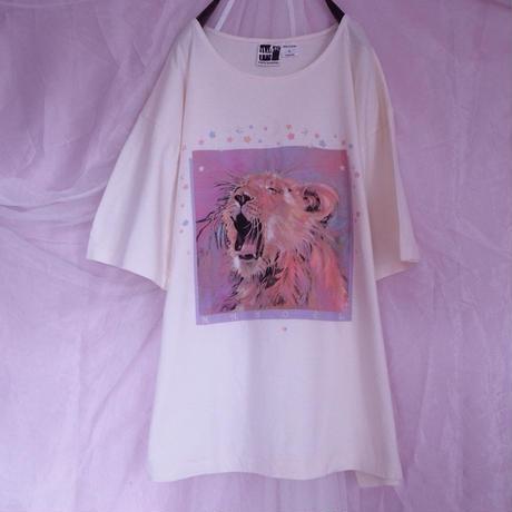 Sleepy Lion T-shirt