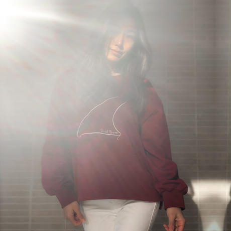FIN: SURF BUM EMBROIDERY BURGUNDY SWEATSHIRT
