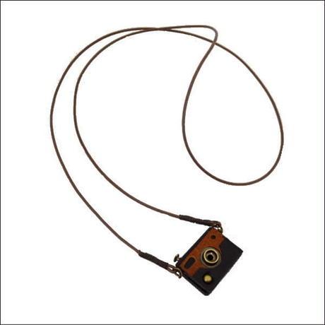 ハンドメイド カメラ型 レザーネックレス  10007541