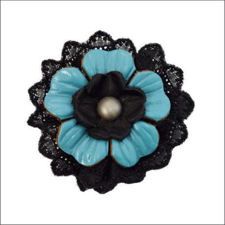 ハンドメイドオリジナル ナチュラル系 花モチーフレザーブローチD 10007104