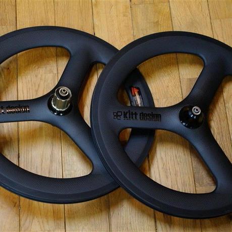 Kitt design 406 Carbon Tri-spoke Wheel set / Black Logo