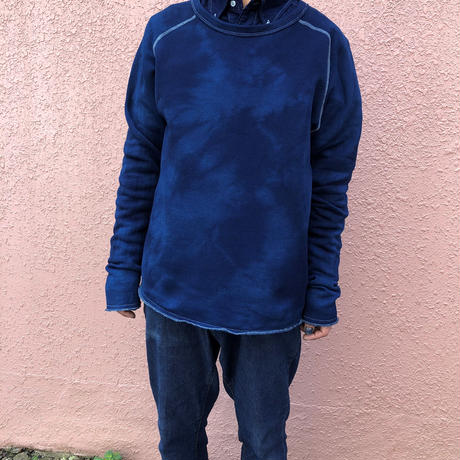 日頃の感謝を込めて大特価!!『一点物』&コロナに負けるな!!藍染めカットオフクル-ネックトレーナーMサイズ 濃淡染め技法 男女兼用 『一点物』
