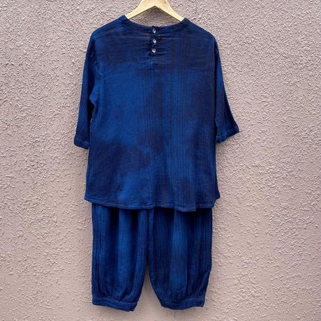 日頃の感謝を込めて大特価!!藍染めギャザーパンツ&ブラウス セットアップ 濃淡染め技法 ブラウス着丈66cm