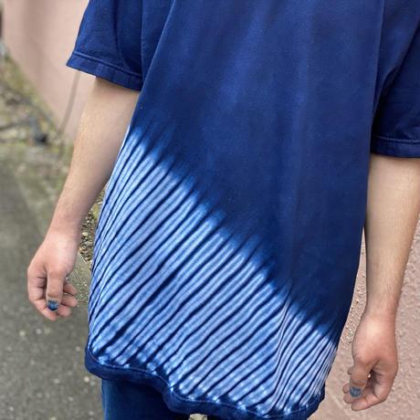 日頃の感謝を込めて大特価!!『一点物』藍染め胴斜め杢目絞りTシャツ Lサイズ  男女兼用『一点物』