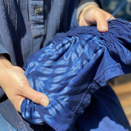 日頃の感謝を込めて大特価!!『一点物』藍染めTシャツ唐松絞りに雲 XLサイズ  男女兼用『一点物』