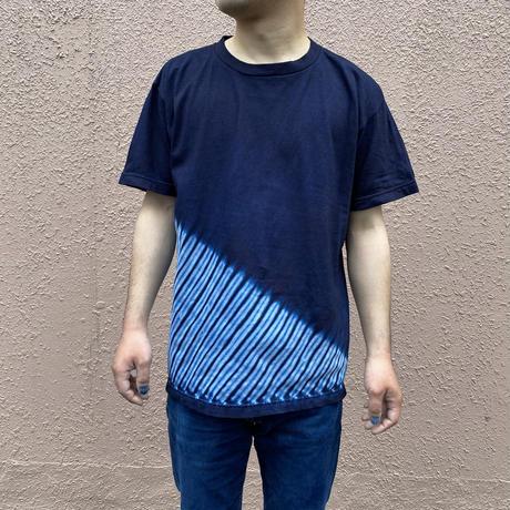 日頃の感謝を込めて大特価!!『一点物』藍染め胴斜め杢目絞りTシャツ勝ち色 Mサイズ  男女兼用『一点物』