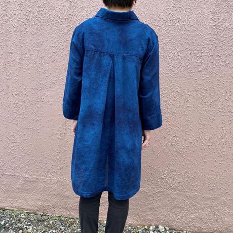 日頃の感謝を込めて大特価!!『一点物』 藍染めチュニック 着丈82cm 唐松絞り 濃淡染め技法『一点物』
