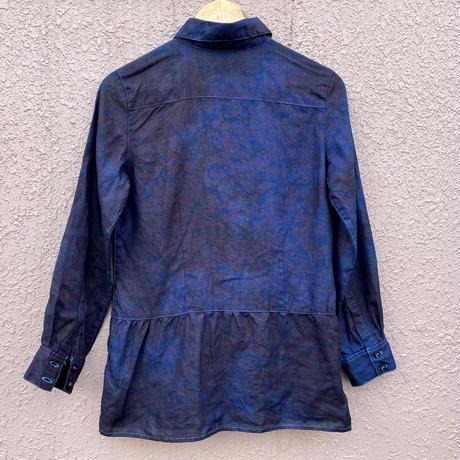 オールシーズンに活躍! 『一点物』女性用藍染め麻シャツ 水色抜染 着丈 65.5cm『一点物』