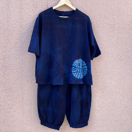 日頃の感謝を込めて大特価!!『一点物』藍染めギャザーパンツ&ブラウス セットアップ 濃淡染め胴に唐松絞り技法 ブラウス着丈66cm『一点物』