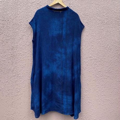 日頃の感謝を込めて大特価!!藍染めノースリーブストライプワンピース濃淡染め技法 着丈111cm