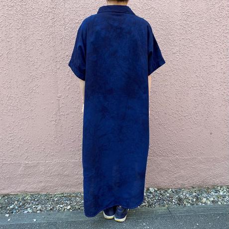 日頃の感謝を込めて大特価!!『一点物』藍染めワンピース下に唐松絞り濃淡染め技法 着丈115cm 『一点物』
