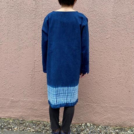 日頃の感謝を込めて大特価!!『一点物』 藍染めサイドスリットチュニック 杢目絞り技法 前丈75cm 『一点物』