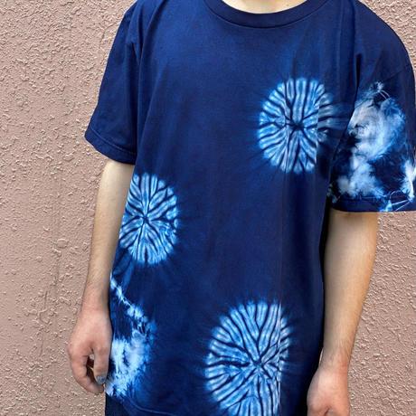 日頃の感謝を込めて大特価!!『一点物』藍染めTシャツ唐松絞りに雲 Lサイズ  男女兼用『一点物』