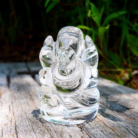 幸運の神ガネーシャ神像  GH8D インド、クル産ヒマラヤ水晶