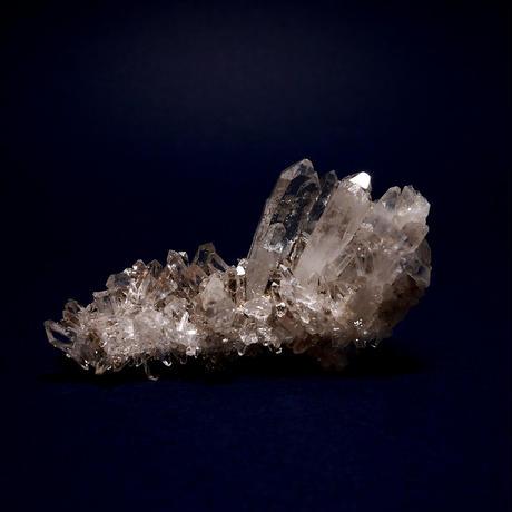 ネパール、マカルー産ヒマラヤ水晶クラスター  25g
