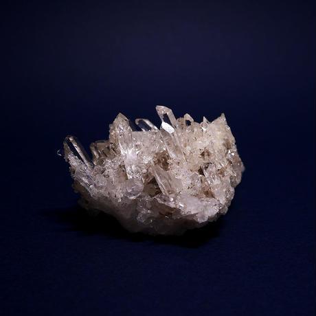 ネパール、マカルー産ヒマラヤ水晶クラスター  69g