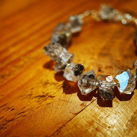 ダブルポイント水晶のブレスレット