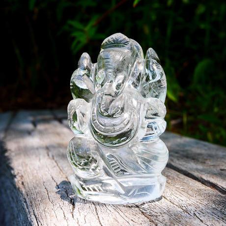 幸運の神ガネーシャ神像  GH8C インド、クル産ヒマラヤ水晶