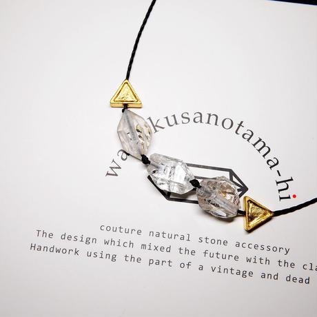 【再販】パキスタン産ヒマラヤ水晶クリスタル ネックレス F (三角モチーフ)