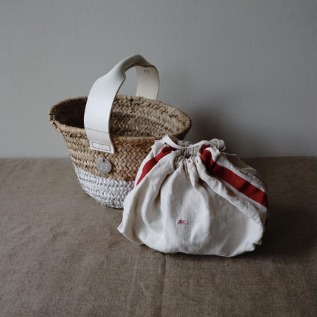 White leather & paint One handle BAG+ antique cloth pouch
