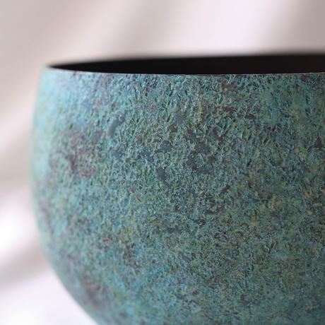 緑青のまあるい花器 [ 蕾 ]