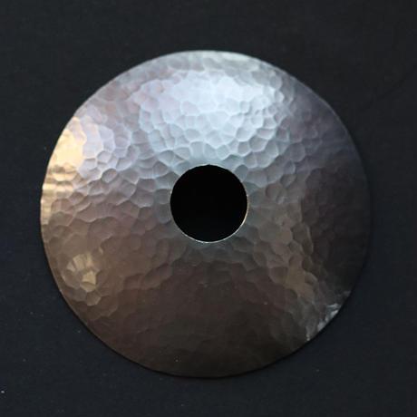 鎚目模様の小さいシェードランプ E17お皿型 黒染120mm