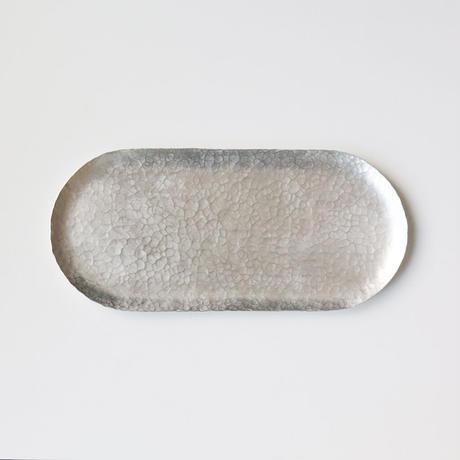 錫銀色の鎚目模様トレー(トラック型)