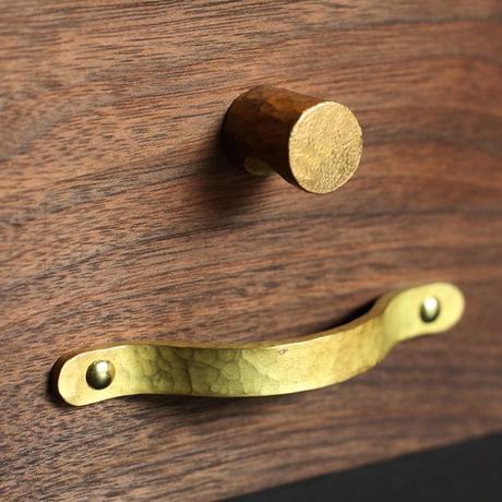 鎚目模様の真鍮取手