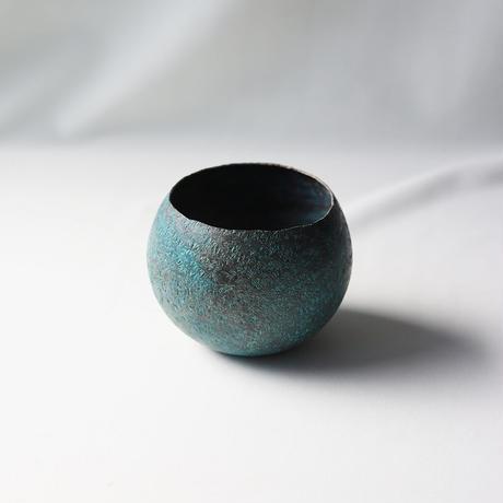 まあるい花器 緑青鎚目